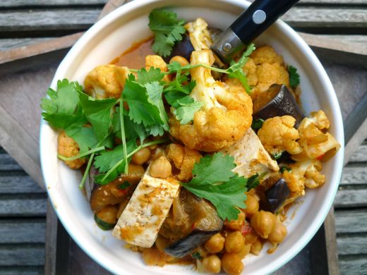 Vegetarische curry met aubergine